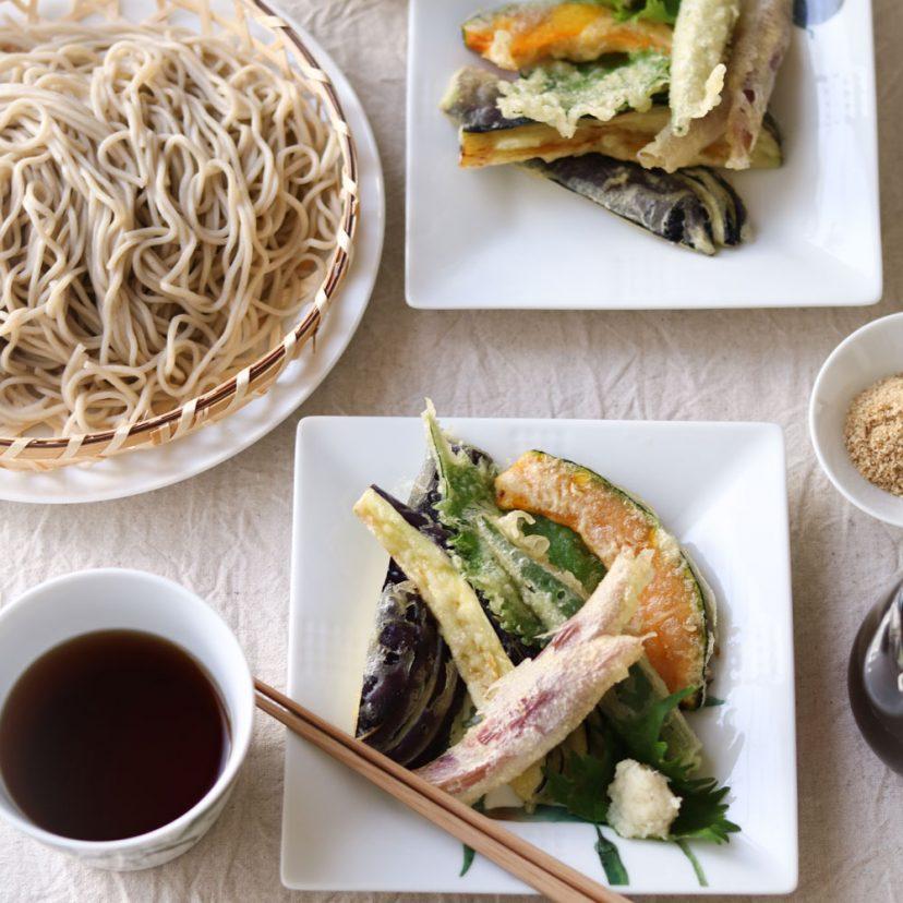夏野菜たっぷりの天ぷら蕎麦