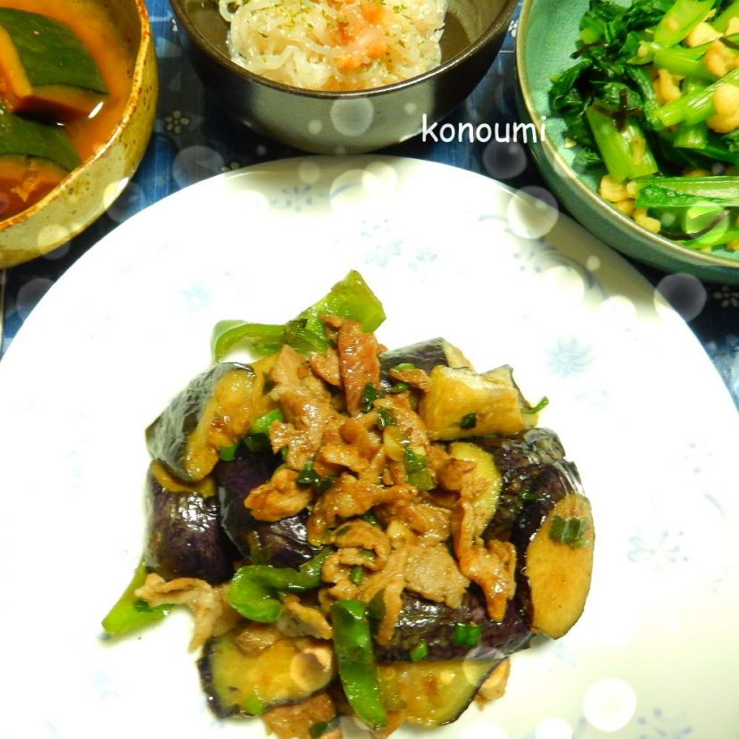 なすとピーマンと豚肉の炒め物・かぼちゃの煮物です(実家にて)<br /> #ヤマキめんつゆ<br /> #ヤマキレシピ