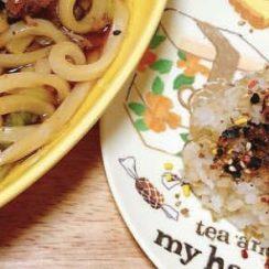 鰹節、海苔、白ごま、美味しいおにぎり(๑•؎ •)<br /> #ヤマキかつお節  #ヤマキレシピ