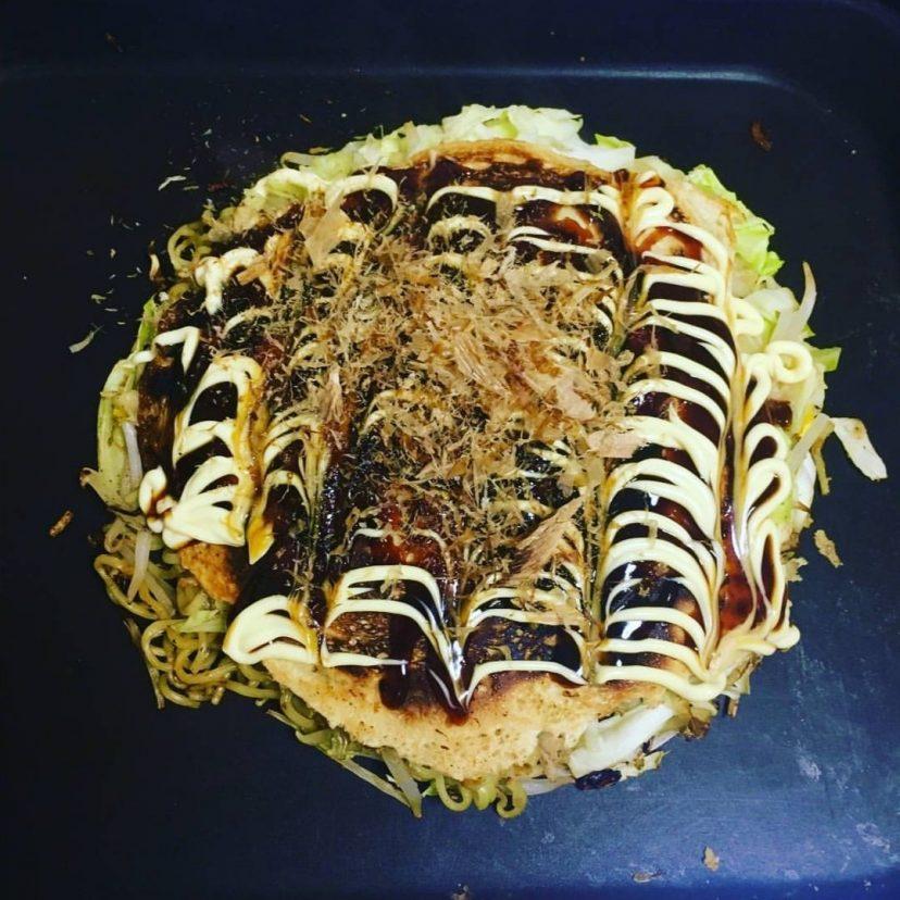 夕飯に #お好み焼 を作りました!踊っている鰹節を見ていると更にお腹が空いてくる〜?<br /> #ヤマキかつお節 #ヤマキレシピ #お好み焼き #夕飯 #鰹節