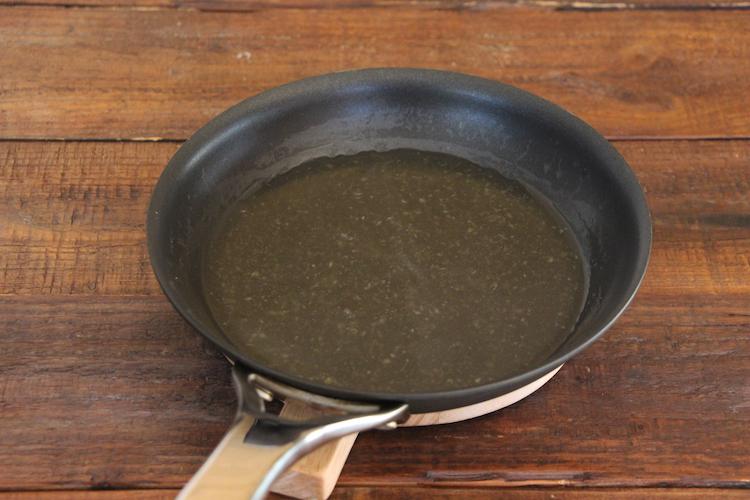 〜あんを作る〜<br>手鍋に「割烹白だし」、【A】を入れ、中火~強火でひと煮立ちさせる。水溶き片栗粉でとろみをつけ、火を止める。